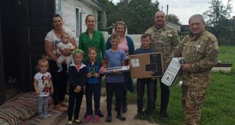 Волонтери дарують техніку вразливим сім'ям Ківерцівської громади