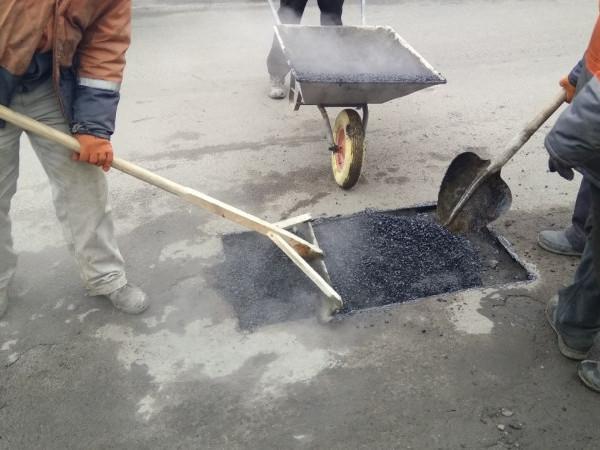 У Ківерцях використовують технологію, яка дозволяє ремонтувати дороги взимку