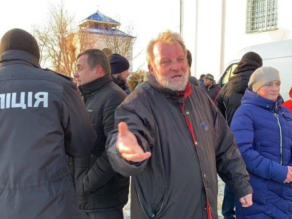 Українські телеканали показали відео стрілянини у Жидичині. ВІДЕО