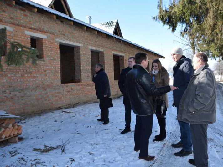 Новенькі амбулаторії на Ківерцівщині запрацюють вже восени