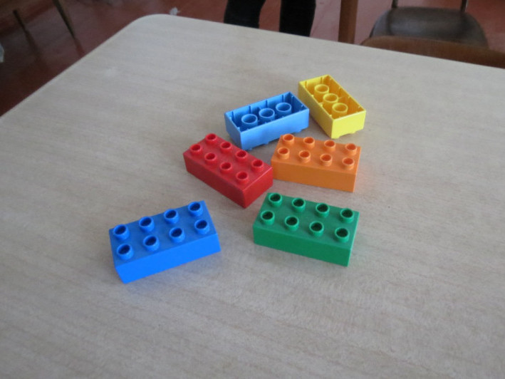 Шысть кубиків Лего отримало село Метельне у рамках програми «Нової української школи»