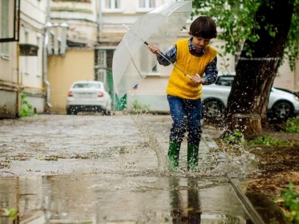 На вихідні волинянам обіцяють дощі та грози
