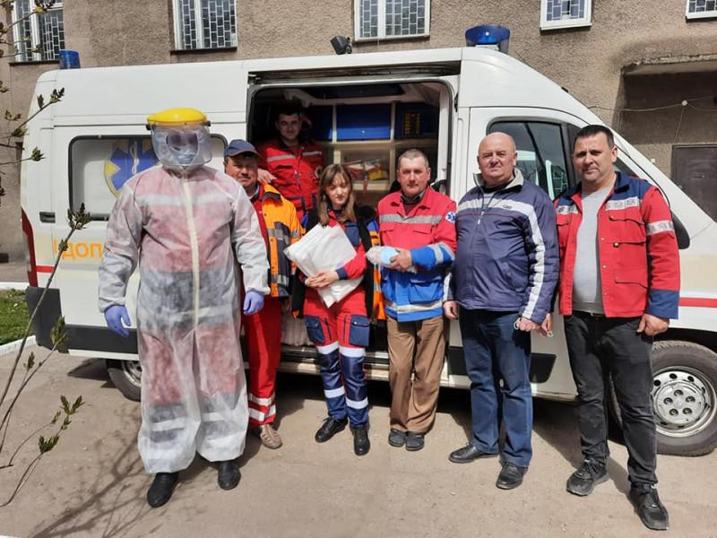 Ківерцівські медики отримали 60 захисних костюмів та медичних масок