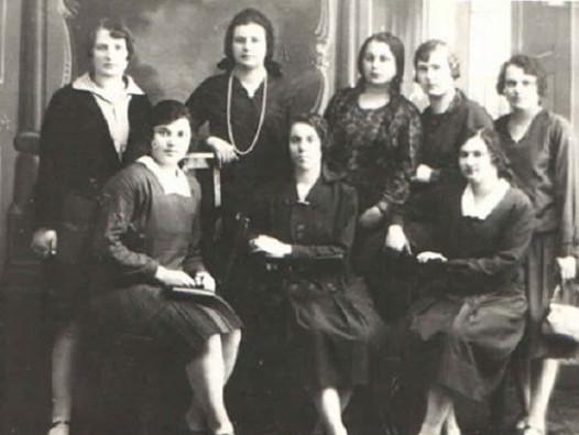 1932 рік. Дівчата із Жидичина, які були слухачками просвітянських курсів
