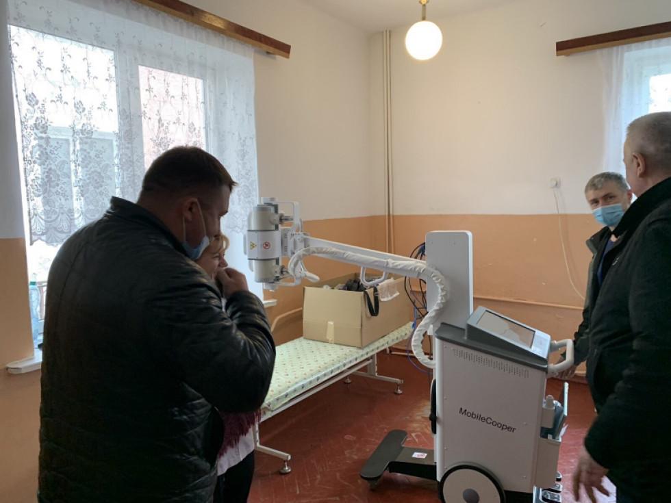 Міський голова Ківерців та його заступник інспектують хід робіт у Ківерцівській центральній лікарні