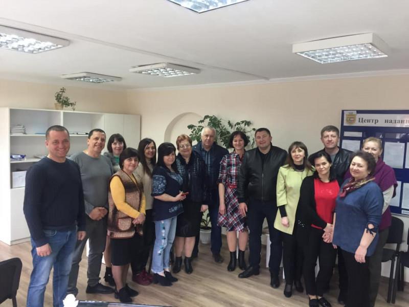 Працівники оновленого ЦНАПу із міським головою Ківерців та його заступниками