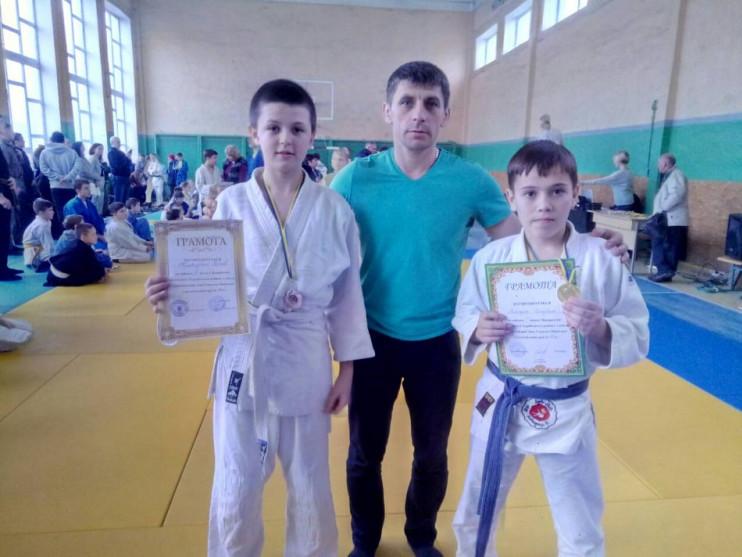 Сергій та Серафим з тренером Сергієм Степановичем