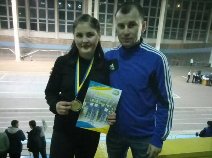 Ківерцівська легкоатлетка зі своїм тренером