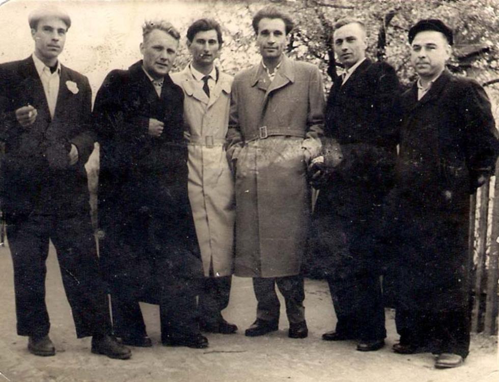 Зустріч друзів у парку. 1966 рік