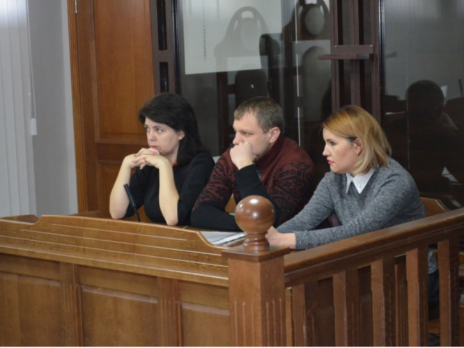 Подружжя Третяків на судовому засіданні