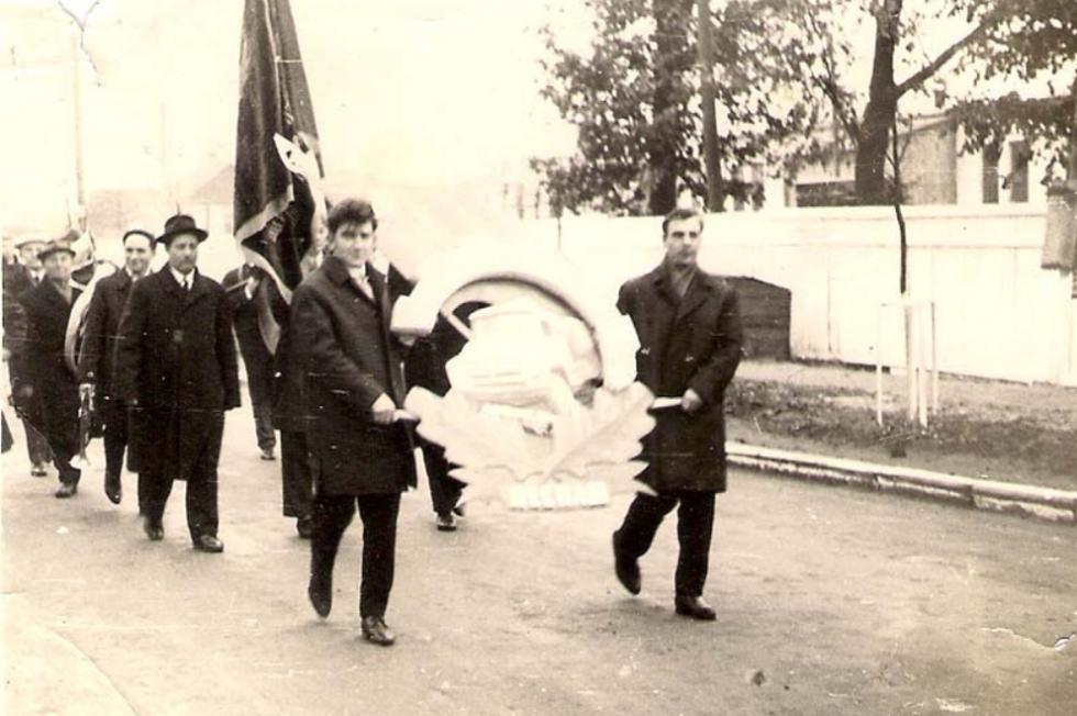 Демонстрація працівників заводу «Лісмаш. 1965 рік