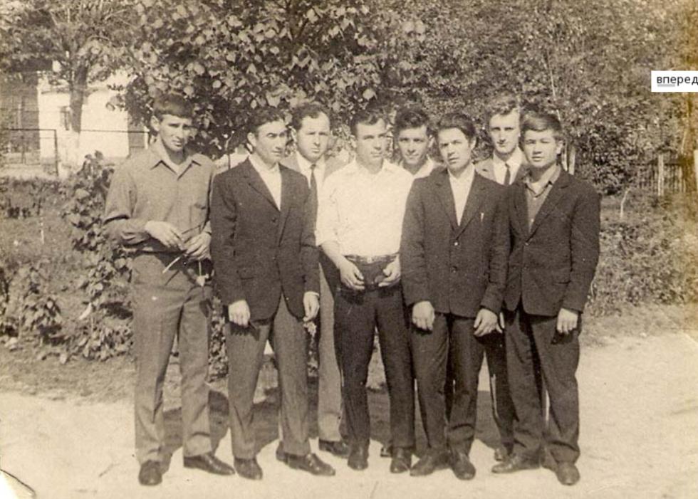 Колектив працівників заводу «Лісмаш. 1964 рік