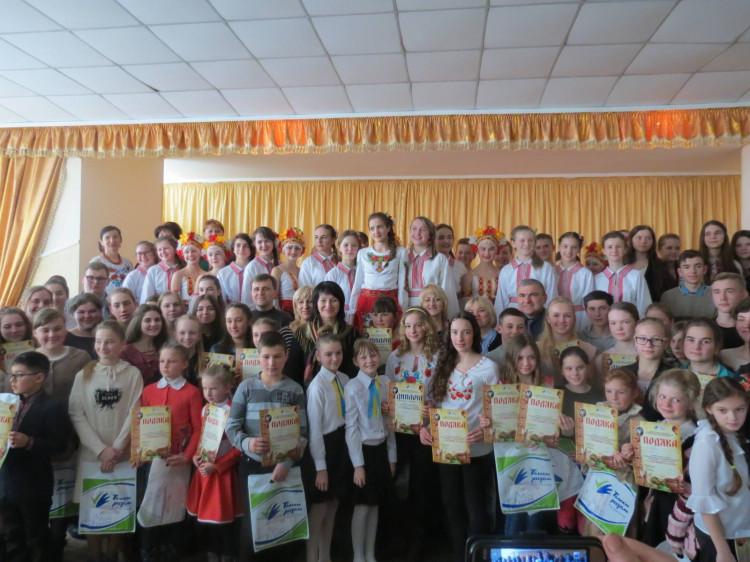 Учасники конкурсу «З Україною в серці»