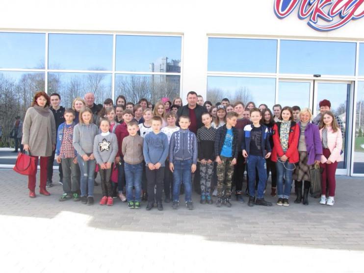Школярі села Тростянець
