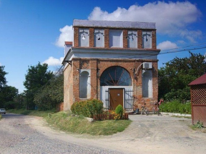 Пам'ятка архітектури у селі Залісоче