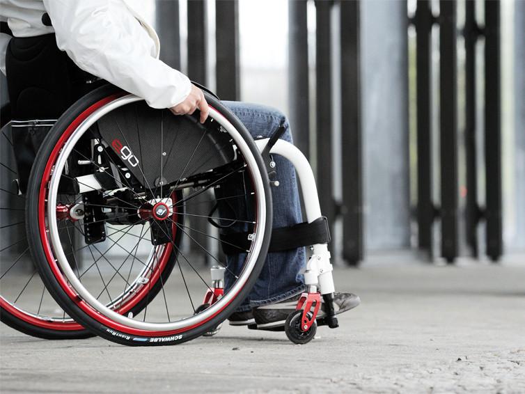 У ківерцівській електричці бабуся образила дівчинку на інвалідному візку