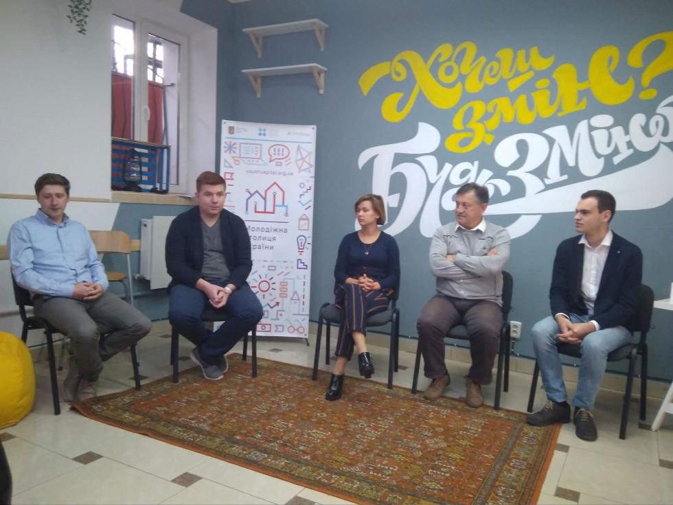 Зліва направо:Захар Ткачук, Демя'н Петрик, Катерина Шкльода, Богдан Шиба, Анатолій Левчук
