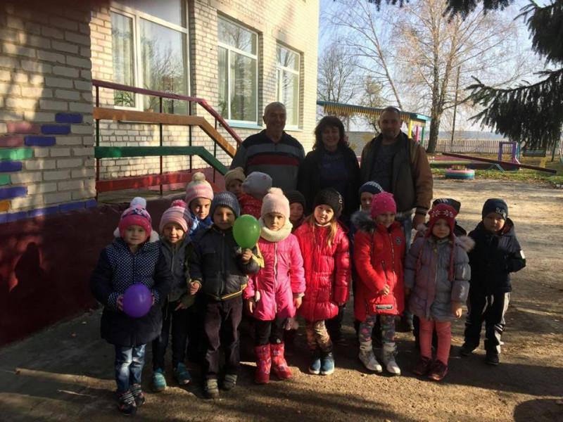 Меценати з Німеччини відвідали дитсадок у Журавичах