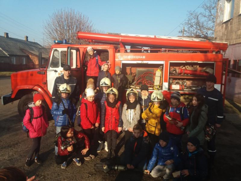 Ківерцівські школярі побували на екскурсії у пожежній частині