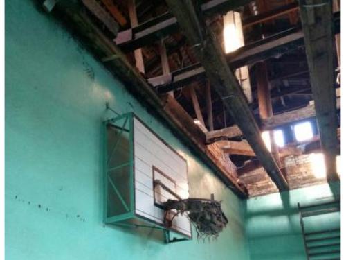 Ремонт даху у школі