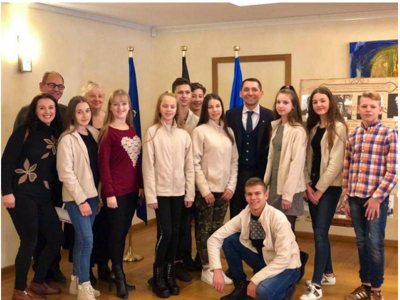 Посол України в Бельгії зустрівся з юними ківерцівськими танцюристами