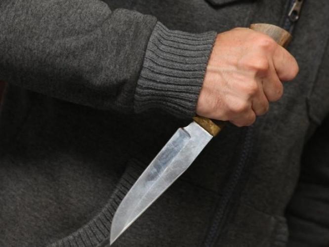 У Луцьку ківерчанин з ножем відібрав мобільий телефон у перехожого