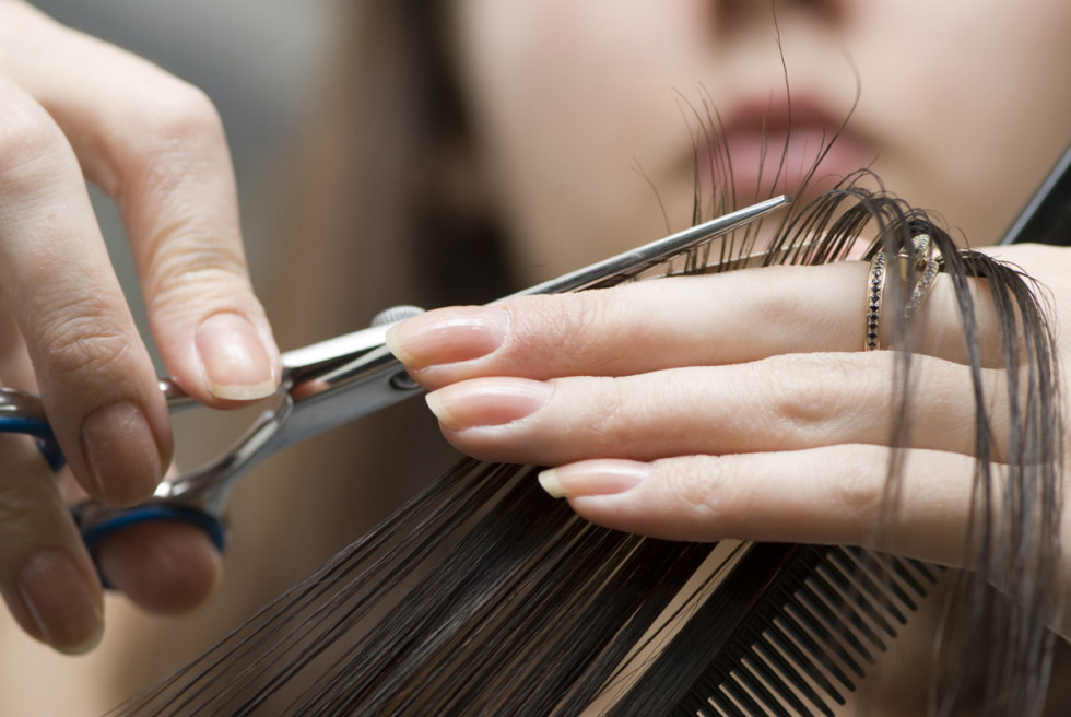 Пропонують роботу перукаря