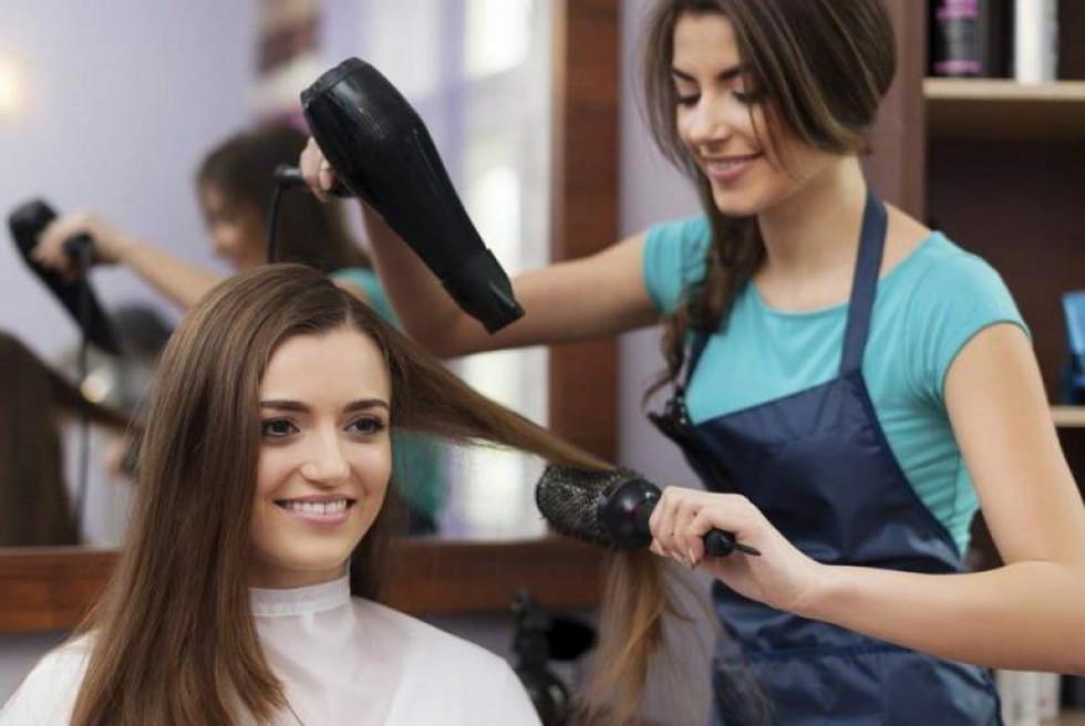 Робота для перукаря та манікюрниці