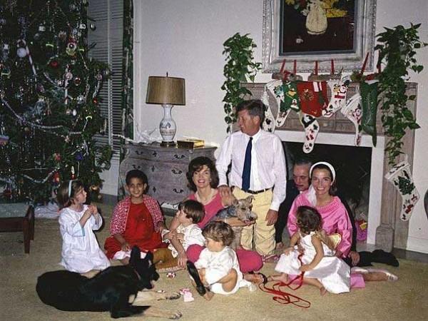 сім'я Радзівіллів і Кенеді святкують Різдво 1962 року в Палм-Біч, штат Флорида