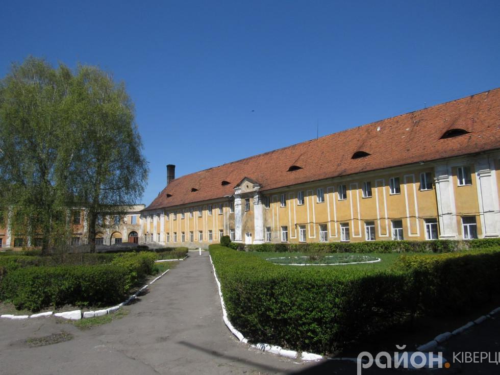 Замок відрізнявся від більшості тогочасних фортифікаційних споруд