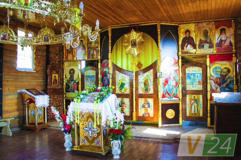 Іконостас для липлянського храму своїми руками змайстрував ...священик
