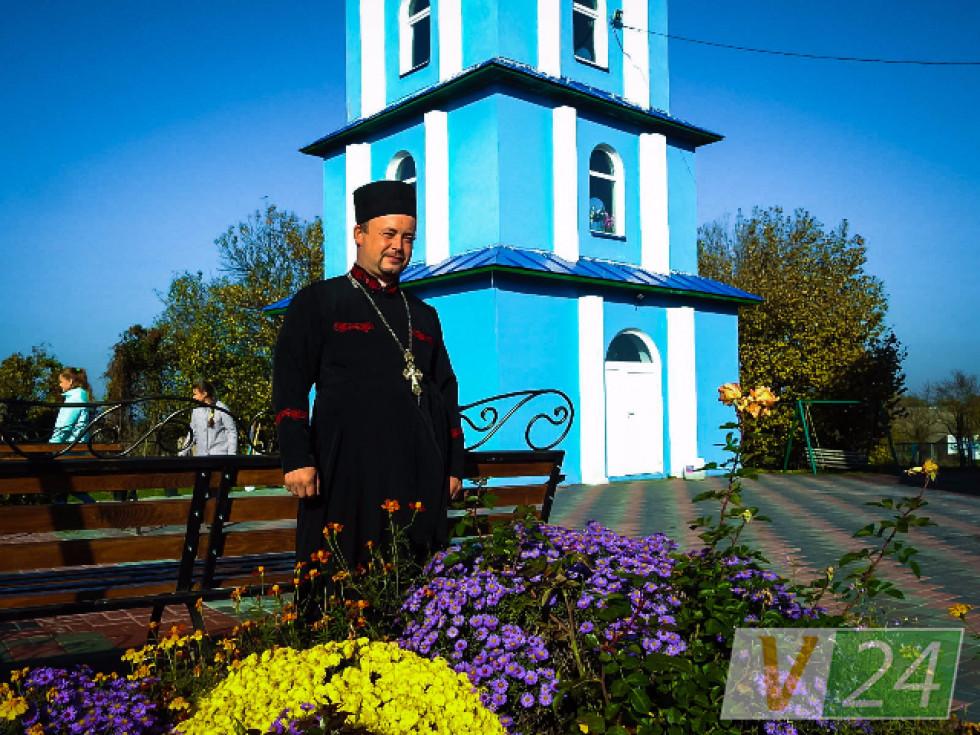 Отець Сергій Ледвовк - настоятель храму.