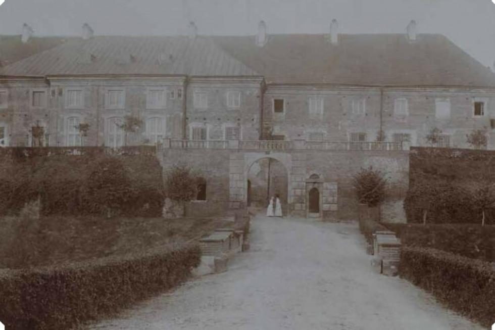 Замок Радзивіллів, Олика, фото до 1939 року