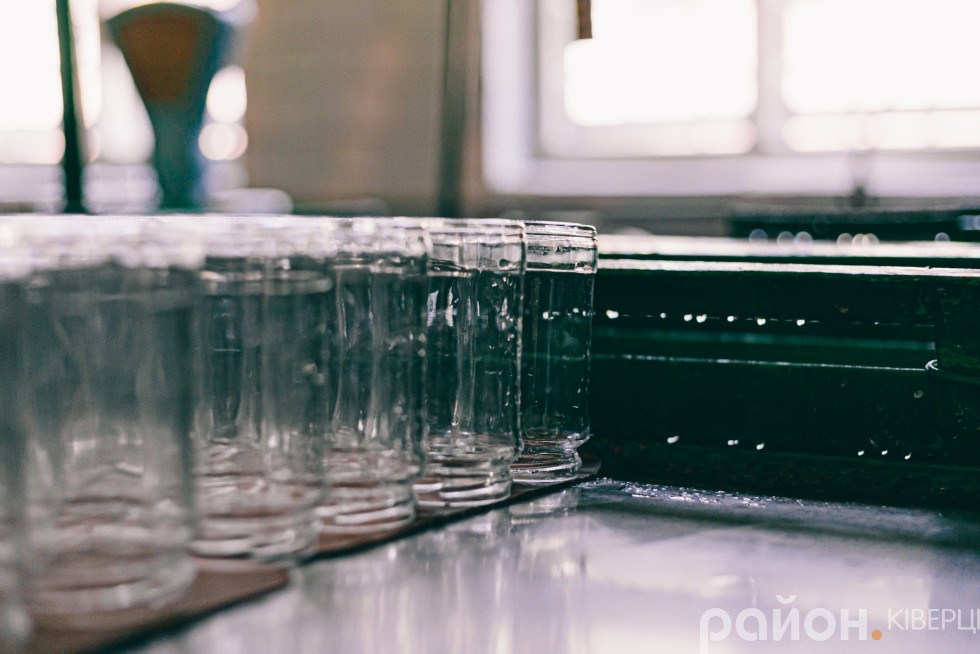 У консервному цеху діє потужна лінія переробки березового соку